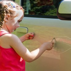 How to use car wax to remove scratches